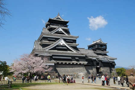 熊本城再建 ‐制振補強でよみがえる天守閣‐
